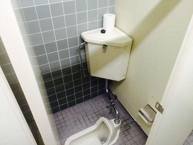 工場内和式WCを洋式WCへ改修