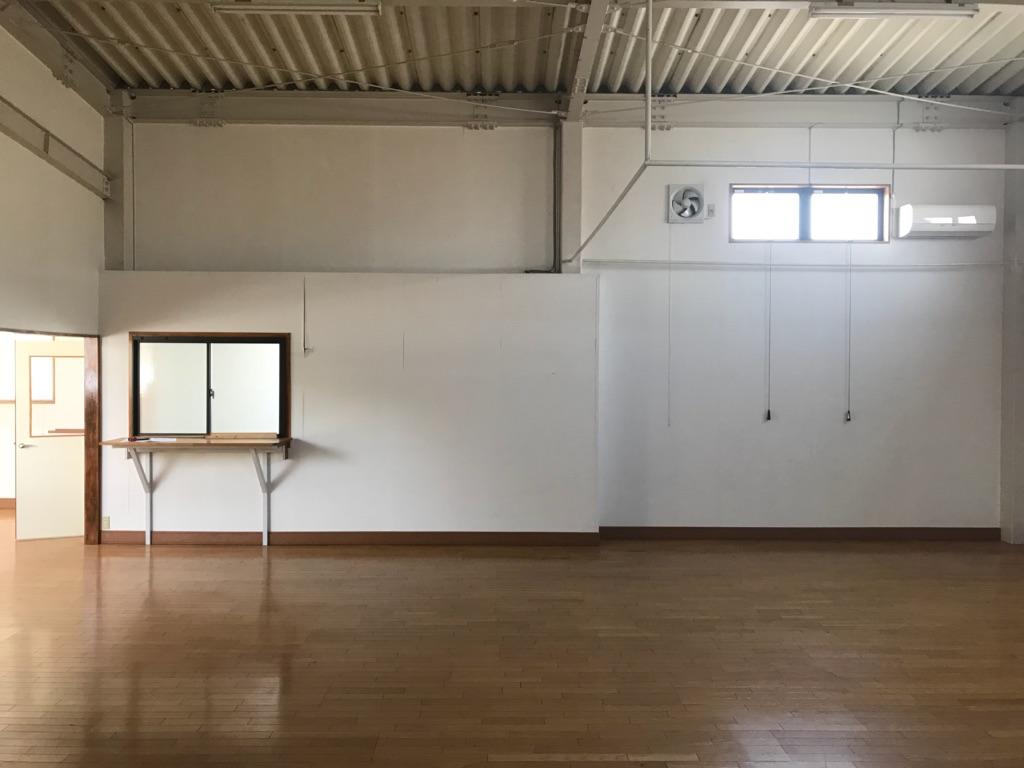 倉庫をスポーツ施設へリノベーション