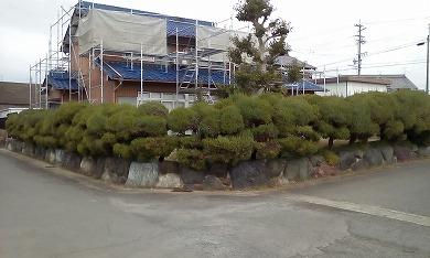 瓦の葺き替え+生垣をアルミフェンス